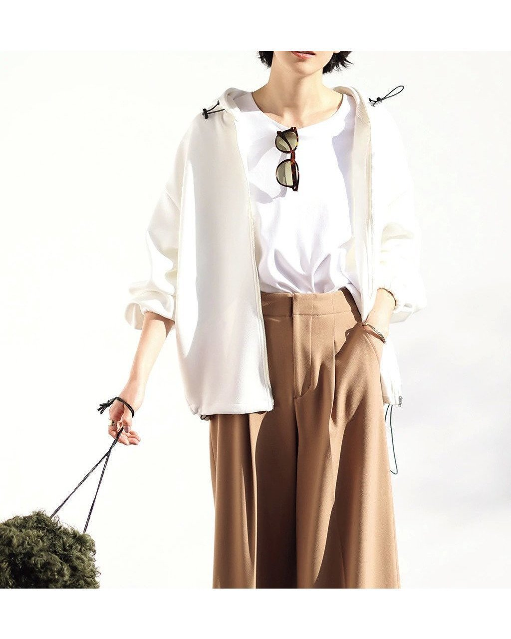 今大人の女性の大人気!光沢と立体デザインでワンランク上のファインスウェット・カーデパーカー おすすめで人気、流行・トレンド、ファッション通販商品 インテリア・家具・キッズファッション・メンズファッション・レディースファッション・服の通販 founy(ファニー) 【ドゥクラッセ/DoCLASSE】 トレンドファッション・スタイル  Fashion trends ブランド Brand ファッション Fashion レディースファッション WOMEN トップス カットソー Tops Tshirt パーカ Sweats スウェット Sweat モダン  ID:prp329100001133215