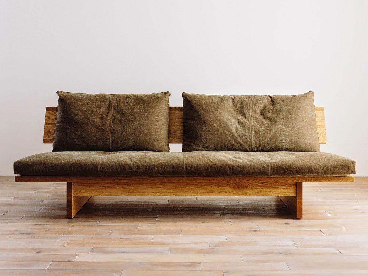 背もたれのクッションをなくし、節あり無垢材を大胆に背板にした直線的なデザインのソファ おすすめで人気、流行・トレンド、ファッション通販商品 インテリア・家具・キッズファッション・メンズファッション・レディースファッション・服の通販 founy(ファニー) 【広松木工/Hiromatsu Furniture / GOODS】 トレンドファッション・スタイル  Fashion Trends インテリア・デザイナーズ家具 Home,Interior,Designers,Furniture ウッド クッション コンパクト ファブリック  ID:prp329100000010919