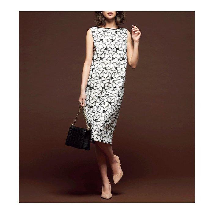 【ドゥクラッセ】贅沢な刺しゅうで仕立てたレースワンピースなど、40代、50代の女性におすすめ!人気ファッションアイテム レディースファッション・服の通販 founy(ファニー) 【ドゥクラッセ/DoCLASSE】 トレンドファッション・スタイル  Fashion Trends ブランド Brand ファッション Fashion レディースファッション WOMEN ワンピース Dress アウター Coat Outerwear ジャケット Jackets トップス・カットソー Tops/Tshirt ニット Knit Tops カッティング ラグジュアリー レース ジャケット ストレッチ リネン 春 Spring なめらか シンプル ストレート スリット チュニック お家時間・ステイホーム Home Time/Stay Home とろみ カーディガン ドレープ カットソー トレンド ドッキング バランス ペーパー |ID:stp329100000000142