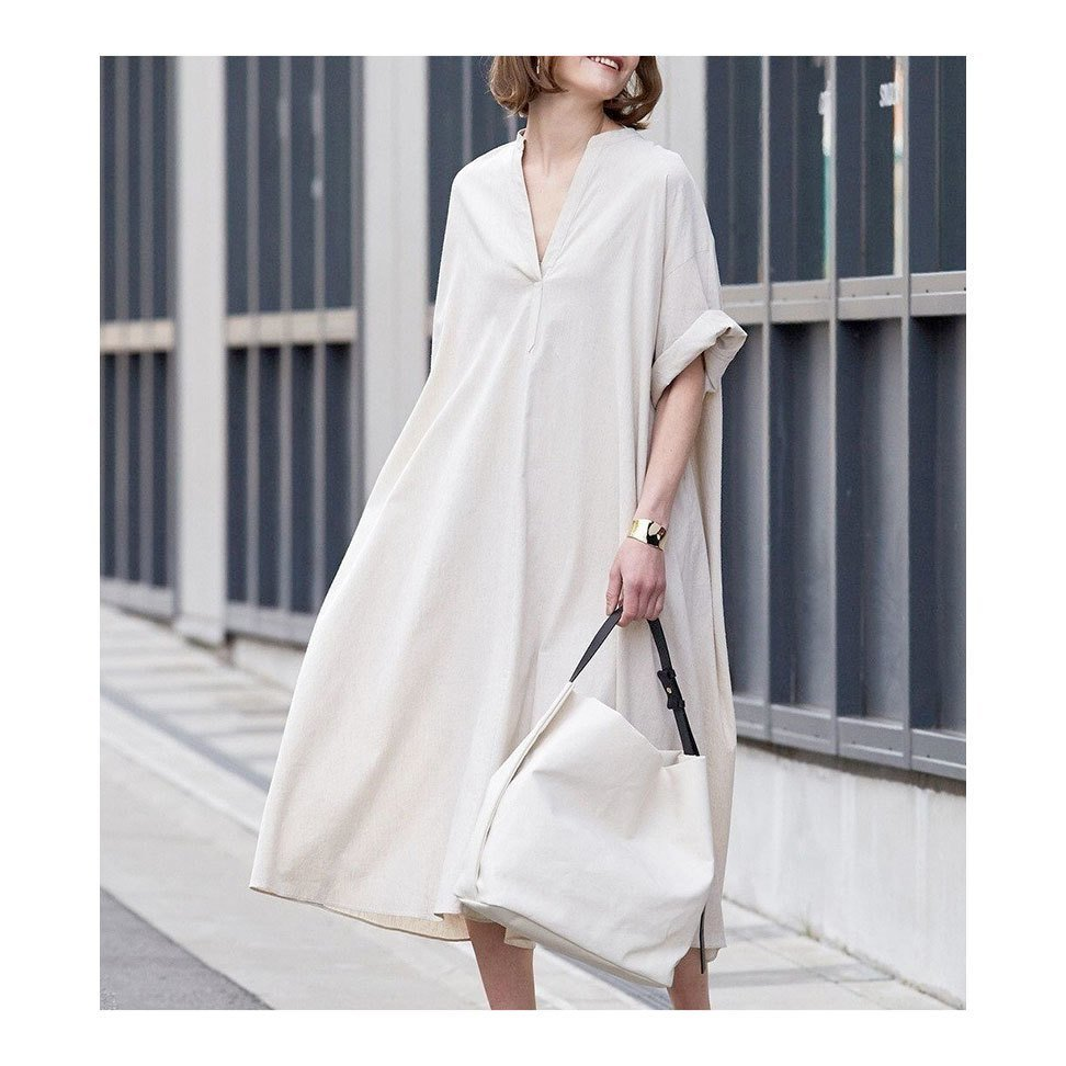 【ベイジ / BEIGE,】リラックス感溢れるボリュームシルエットが魅力、1枚でこなれ感のあるワンピースなど、おすすめ!注目の人気トレンドファッションアイテム おすすめで人気の流行・トレンド、ファッションの通販商品 インテリア・家具・メンズファッション・キッズファッション・レディースファッション・服の通販 founy(ファニー) https://founy.com/ 【ベイジ,/BEIGE,】 トレンドファッション・スタイル  Fashion Trends ブランド Brand ファッション Fashion レディースファッション WOMEN ワンピース Dress トップス・カットソー Tops/Tshirt シャツ/ブラウス Shirts/Blouses アウター Coat Outerwear ジャケット Jackets ノーカラージャケット No Collar Leather Jackets パンツ Pants ロング / Tシャツ T-Shirts カットソー Cut and Sewn 送料無料 Free Shipping 2021年 2021 2021春夏・S/S SS/Spring/Summer/2021 S/S・春夏 SS・Spring/Summer リラックス 再入荷 Restock/Back in Stock/Re Arrival おすすめ Recommend エレガント ギャザー スキッパー スリーブ フリル ジャケット リネン カットソー スリット ドレープ  ID:stp329100000000193