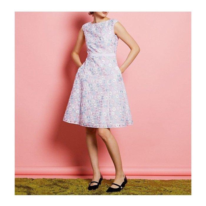 【トッカ / TOCCA】フィット&フレアのシルエットと華やかなファブリックで着る人を美しく際立たせるドレスなど、おすすめ!注目の人気トレンドファッションアイテム 人気、トレンドファッション・服の通販 founy(ファニー) 【トッカ/TOCCA】 トレンドファッション・スタイル  Fashion Trends ブランド Brand ファッション Fashion レディースファッション WOMEN ワンピース Dress ドレス Party Dresses トップス・カットソー Tops/Tshirt シャツ/ブラウス Shirts/Blouses ロング / Tシャツ T-Shirts カットソー Cut and Sewn バッグ Bag 送料無料 Free Shipping 2021年 2021 2021春夏・S/S SS/Spring/Summer/2021 ドレス 再入荷 Restock/Back in Stock/Re Arrival 夏 Summer 洗える 雑誌 カットソー 軽量 シンプル トリミング メタル モチーフ ラップ リボン S/S・春夏 SS・Spring/Summer 冬 Winter リュクス |ID:stp329100000000297