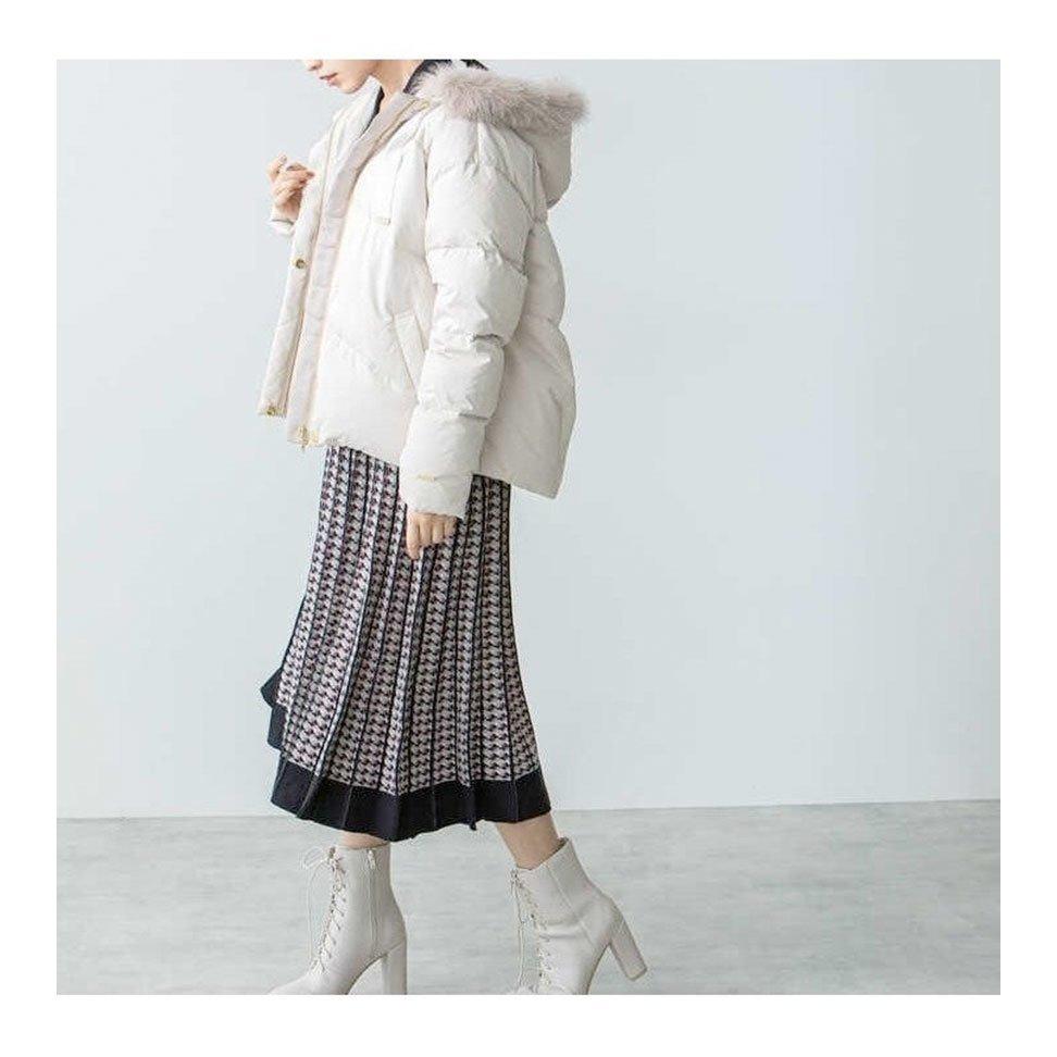 【ジルバイジルスチュアート / JILL by JILLSTUART】華やかなフードファーを施したショートダウンコートなど、おすすめ!注目の人気トレンドファッションアイテム おすすめで人気の流行・トレンド、ファッションの通販商品 インテリア・家具・メンズファッション・キッズファッション・レディースファッション・服の通販 founy(ファニー) https://founy.com/ 【ジルバイジルスチュアート/JILL by JILLSTUART】 トレンドファッション・スタイル  Fashion Trends ブランド Brand ファッション Fashion レディースファッション WOMEN アウター Coat Outerwear ジャケット Jackets バッグ Bag ジップ スタンド スマート ダウン 防寒 トレンチ ヨーク 定番 Standard アンティーク エレガント ジュエリー ポケット パイピング フリル  ID:stp329100000000481