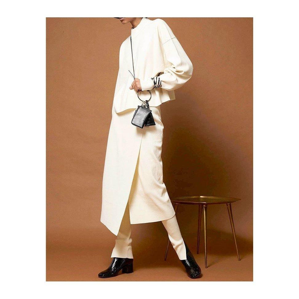 【メゾンスペシャル / MAISON SPECIAL】スタイリングのアクセントにぴったりのマルチケースなど、おすすめ!注目の人気トレンドファッションアイテム おすすめで人気の流行・トレンド、ファッションの通販商品 インテリア・家具・メンズファッション・キッズファッション・レディースファッション・服の通販 founy(ファニー) https://founy.com/ 【メゾンスペシャル/MAISON SPECIAL】 トレンドファッション・スタイル  Fashion Trends ブランド Brand ファッション Fashion レディースファッション WOMEN トップス・カットソー Tops/Tshirt シャツ/ブラウス Shirts/Blouses ロング / Tシャツ T-Shirts カットソー Cut and Sewn パンツ Pants ワンピース Dress チュニック Tunic おすすめ Recommend ショルダー チャーム ポーチ グラフィック ショート スリーブ フロント プリント 再入荷 Restock/Back in Stock/Re Arrival サマー バランス ボトム リネン ロンパース 夏 Summer エアリー チュニック ティアードワンピース  ID:stp329100000000492