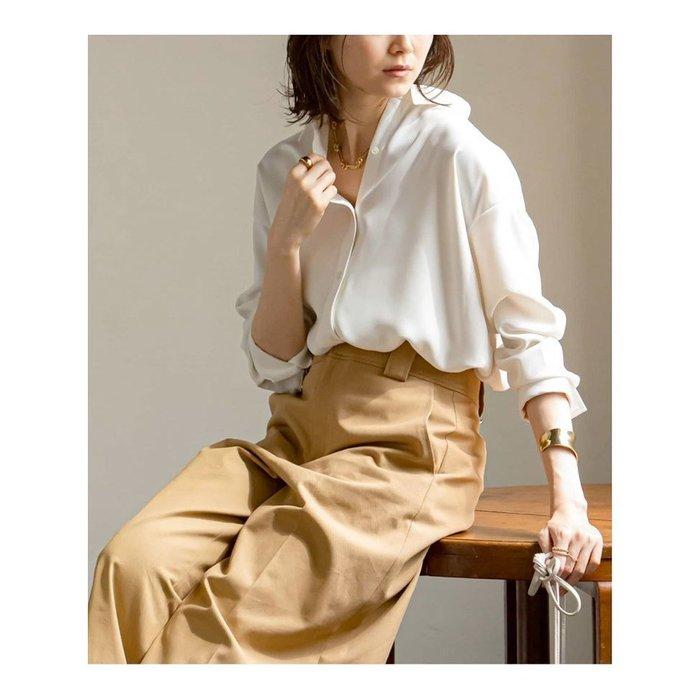 【ノーブル / スピック&スパン / NOBLE / Spick & Span】トロミのある素材をシャツカラーのデザインに仕上げたブラウスシャツなど、おすすめ!注目の人気トレンドファッションアイテム 人気、トレンドファッション・服の通販 founy(ファニー) 【ノーブル / スピック&スパン/NOBLE / Spick & Span】 トレンドファッション・スタイル  Fashion Trends ブランド Brand ファッション Fashion レディースファッション WOMEN トップス・カットソー Tops/Tshirt シャツ/ブラウス Shirts/Blouses スカート Skirt ロングスカート Long Skirt バッグ Bag NEW・新作・新着・新入荷 New Arrivals 2021年 2021 2021-2022秋冬・A/W AW・Autumn/Winter・FW・Fall-Winter・2021-2022 A/W・秋冬 AW・Autumn/Winter・FW・Fall-Winter シンプル スリット バランス レース ロング 再入荷 Restock/Back in Stock/Re Arrival ストレッチ セットアップ フレア おすすめ Recommend スウェード フォルム ミックス 人気 |ID:stp329100000000537